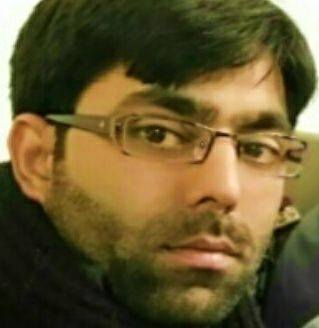 Who says Kashmir's beat Tourists? Questions this Tourist after  helped by Kashmiri activist
